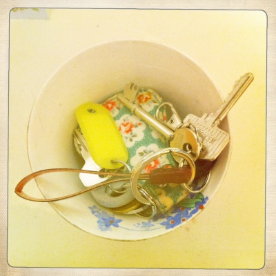 I found this pretty little sugar dish in a Charity shop and it makes a brilliant bowl for keys.