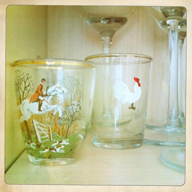 I love the detail on these vintage hunting shot glasses.
