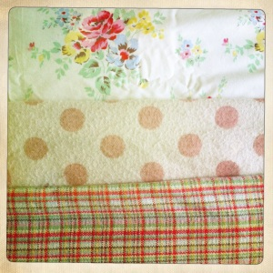 These two cosy blankets complement the pretty spring colours in the duvet cover.