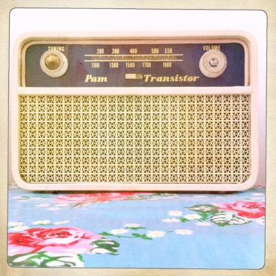 This gorgeous old-fashioned radio is one of my favourite things in the flat.